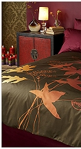 magic of a vineyard during harvest time in Bordeaux, France is captured in this breathtaking bed. A graphic composition of oversized leaves in filled with a gradient of brilliant color ranging from plum to marigold. This unique printing technique is reflective of the sunset slowly moving across the vineyard.