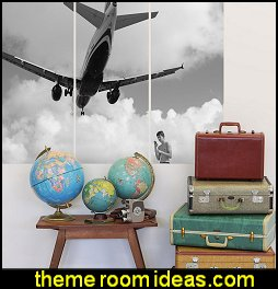 vintage travel decorating ideas - travel bedroom decorations - world map decoration ideas -